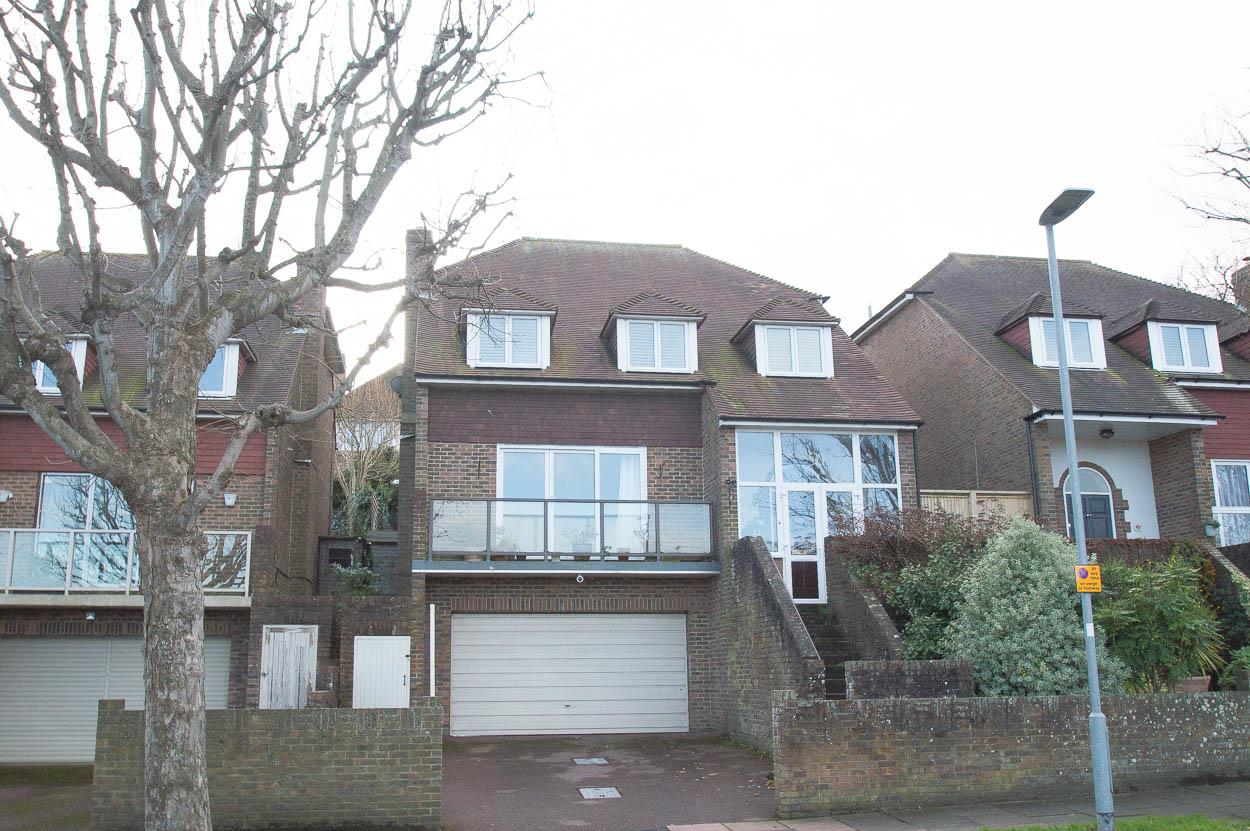 4 Bedrooms Detached House for sale in Park Avenue, Eastbourne
